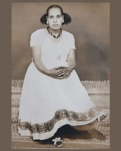 photo restoration woman